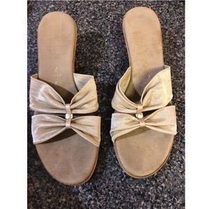 Italian Shoemakers gold wedge sandals size 9